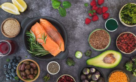 4 SUPERFOODS FOR HEALTHY HAIR